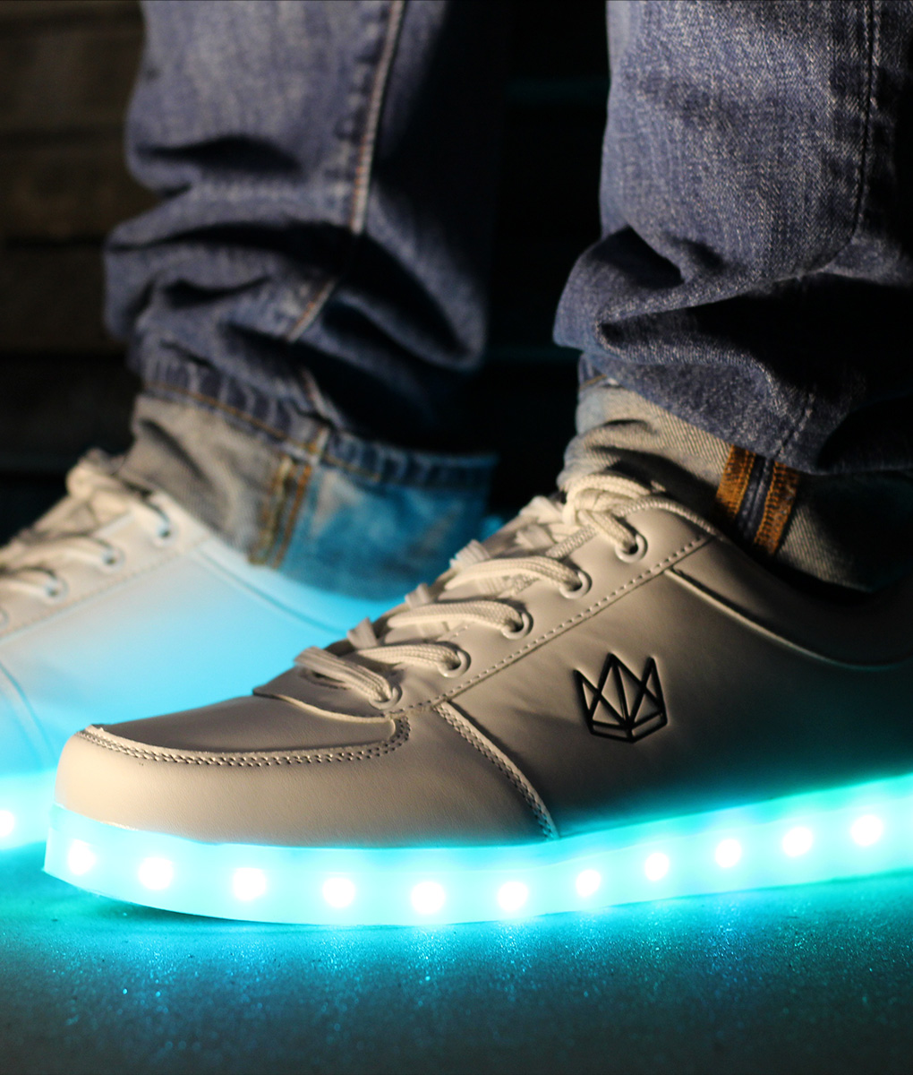 best sneakers 18a16 0ef5a Classic White LED Schuhe